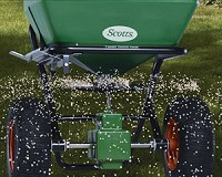 Lawn fertiliser treatement